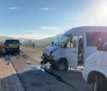 """ДТП в селе Верхние Ворота: Травмированный пешеход и пассажиры """"Opel"""" доставлены в местную больницу"""