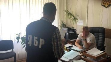 Мальдивские каникулы: Пограничнику, выпустившего Порошенко сообщили о подозрении