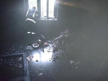 В Берегово под вечер горел частный дом: Погиб 50-летний мужчина