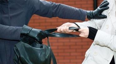 Избил и похитил сумку с деньгами: Полицейские Берегово задержали налетчика