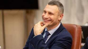 Мэр Киева Кличко побеждает в первом туре местных выборов, набирая 50,52% голосов
