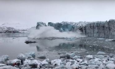 Ледник Брейдамеркюрйекюдль частично обрушился: Туристы в панике бежали