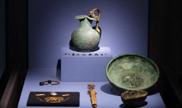 Оккупанты незаконно вывозят миллионы артефактов из Крыма