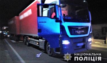 В Закарпатье огромная фура раздавила пешехода