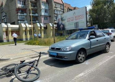 В Ужгороді поліцейський збив велосипедиста.