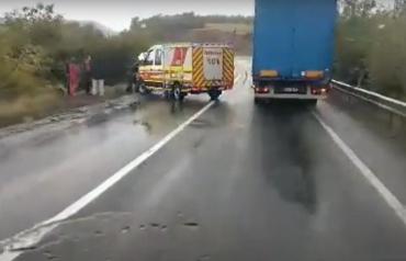 Авария в Закарпатье: Mercedes Sprinter слетел в кювет