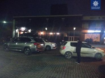 """Авария в областном центре Закарпатья: Пьяный """"лихач"""" на Skoda немного не рассчитал"""