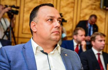 Консолідовану позицію опозиційних фракцій висловив депутат обласної ради Володимир Чубірко.