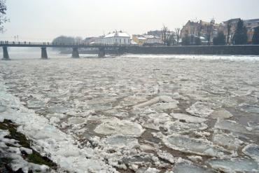 На реках Закарпатья начался ледоход: Ситуация под контролем