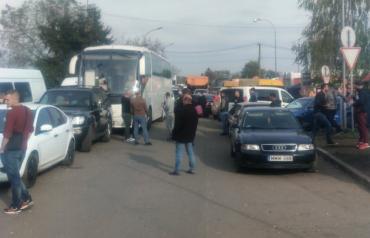 Митниця Закарпаття інформує де краще перетинати кордон з Угорщиною