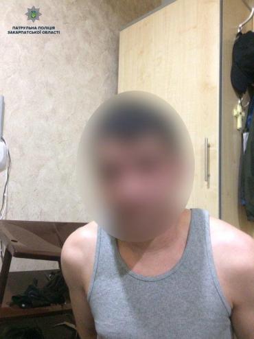 Попавшую в Ужгороде в заточение девушку, спасла патрульная полиция