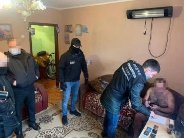 Полицейские Закарпатья обломали все планы шантажисту, вымогателя взяли с поличным