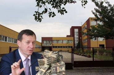 В Ужгороде мэр Андріїв нагреб бюджетные миллионы и изворачивется изо всех сил