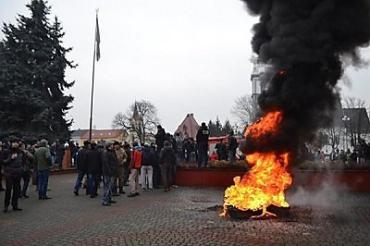 За дешевой провокацией в Тячеве на Закарпатье стоит Россия