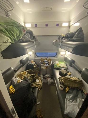 Военные устроили стрельбу в поезде Константиновка – Киев
