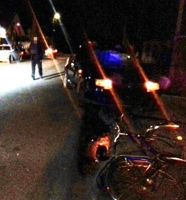 В Закарпатье водитель на Volkswagen не справился с управлением и сбил велосипедиста