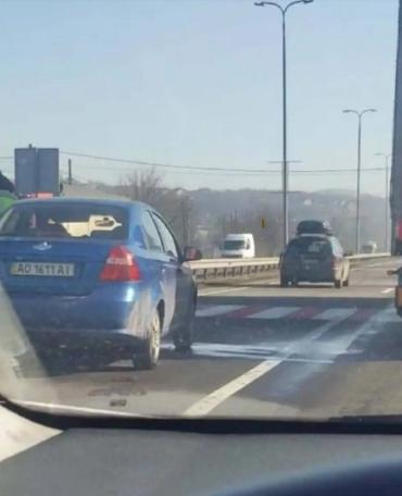 Авария в Закарпатье: в селе Барвинок не поделили дорогу два авто
