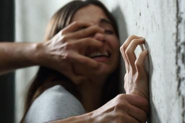 В Закарпатье 15-летний социопат изнасиловал девушку намного старше себя
