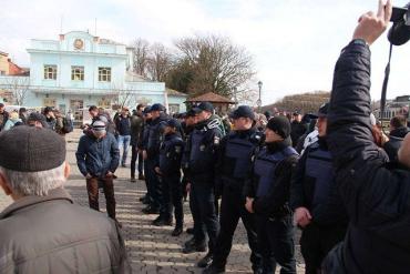 На Театральній площі в Ужгороді одночасно провели дві акції