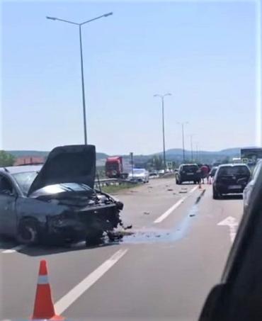 Тройная авария в Закарпатье: На трассе Киев-Чоп столкнулись Volkswagen, Hyundai и Volvo
