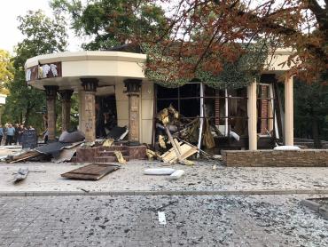 Захарченко погиб в результате взрыва в кафе «Сепар» в центре Донецка