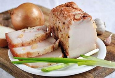Ученые официально назвали украинское сало лучшим продуктом в мире