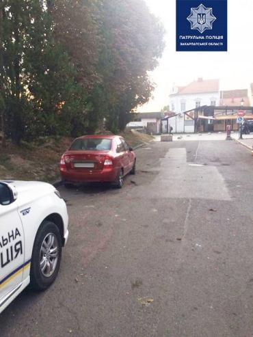 В областном центре Закарпатья полиция ищет очевидцев ДТП