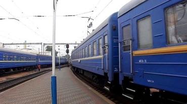 Гибель пассажира поезда, следовавшего из Закарпатья в Киев расследуют как убийство