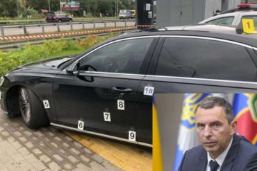 В машину советника президента Шефира попалобольше10 пуль