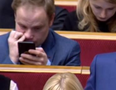 Полный зашквар!: Нардеп Голоса и борец с коррупцией Юрчишин пока смог побороть только козявки в своем носу