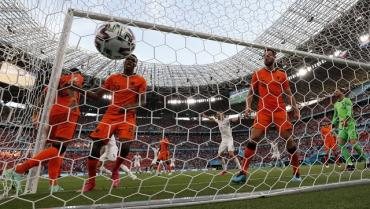 Чехия хлопнула Нидерланды в Будапеште 2:0!