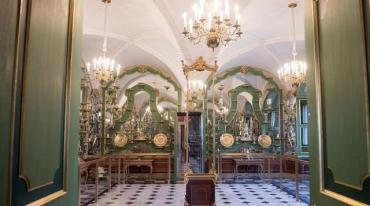 Ограбление на миллиард: Бриллиантовый и два алмазных комплекта украшений выкрали из музея в Дрездене
