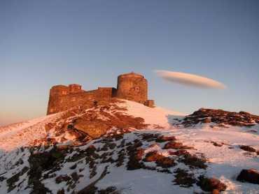 Горы в Закарпатье радуют сердце и глаза: В сети опубликовали снимки горы Поп Иван