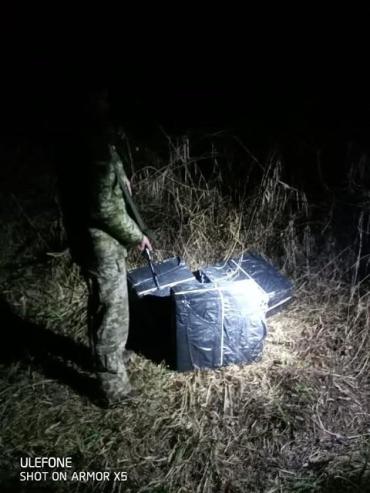 В Закарпатье на границе «засветились» контрабандисты: Свет фар авто заметил пограничный наряд