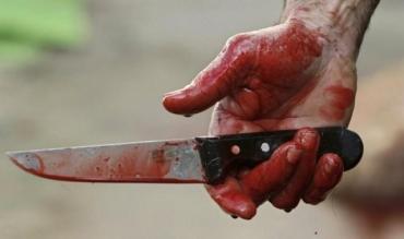 В Закарпатье 19-летний парень напал с ножом на собственного отца