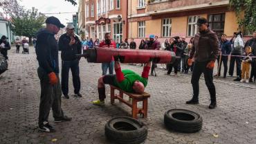 Змагання зі стронґмену відбулися в Ужгороді