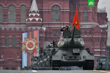 9 мая 2019 года : На Красной площади Москвы сегодня состоялось центральное событие Дня Победы