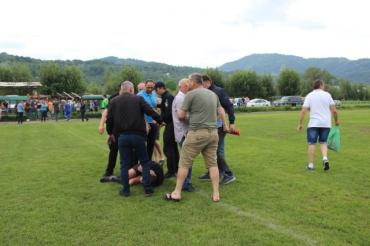 В Закарпатье полиция заинтересовалась делом о жестоком избиении арбитра матча