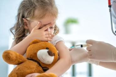 В Украине введут принудительную вакцинацию взрослых и детей