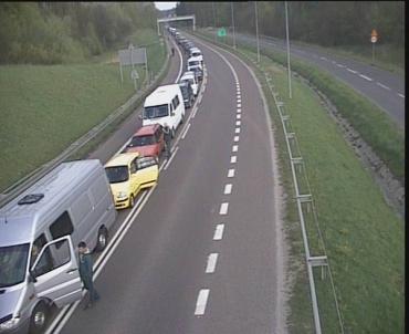 Скупчення автомобілів спостерігається на кордоні зі Словаччиною та Польщею
