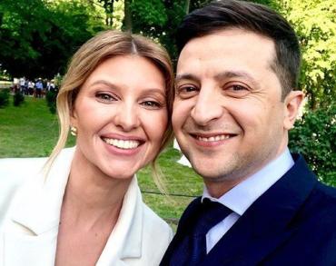 Жена Зеленского пришла на инаугурацию в элегантном наряде