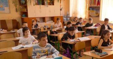 COVID-19. На Закарпатті школи знову працюватимуть дистанційно!