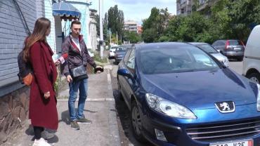 В Закарпатье человек оставил на парковке машину, а когда пришел, то увидел уже другую картину