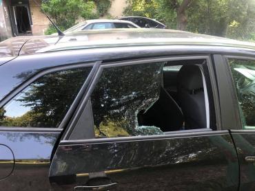 Жители, берегитесь!: В одном из районов Мукачево орудуют автомобильные воры (ФОТО, ВИДЕО)