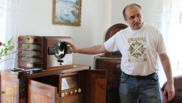 Петро Дербаль все життя колекціонує радіотехніку