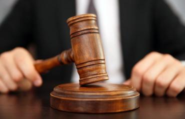 Убивцю, що зарізав у під'їзді в Мукачеві студента, засудили до довічного ув'язнення