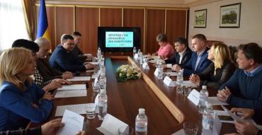 В Ужгороді обговорили питання кіноосвіти та розвиток кіноіндустрії на Закарпатті