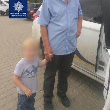 В Закарпатье на улице нашли маленького ребенка