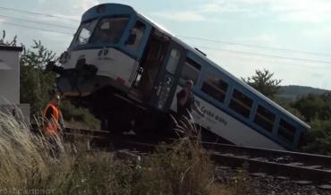 Микроавтобус с заробитчанами из Закарпатья разбился об поезд в Чехии