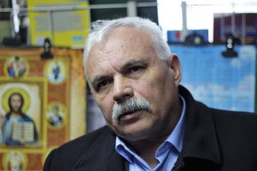 В Ужгороді письменник за прилавком Юрій Дупко говорив про геноцид на Закарпатті